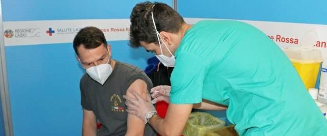 vaccini militari ANSA