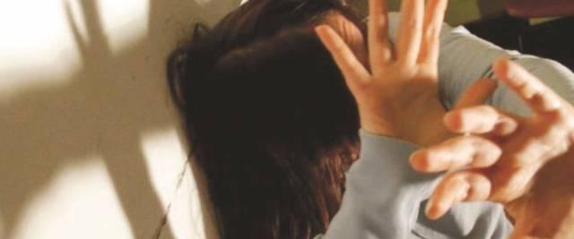 indiano la stupra in quarantena