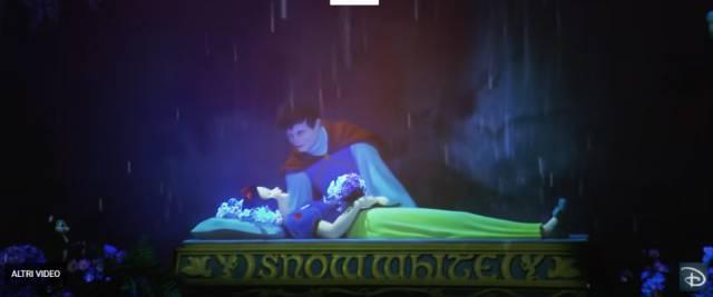 """Il Principe azzurro è uno """"stupratore"""" perché bacia Biancaneve mentre dorme: follia negli Usa"""