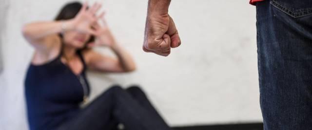 botte e abusi sessuali