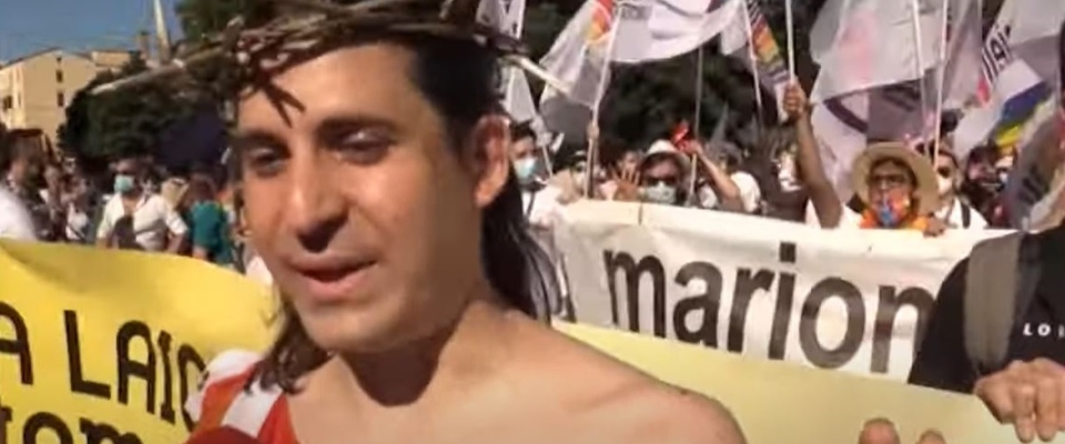 Cristo Lgbt al Roma Pride