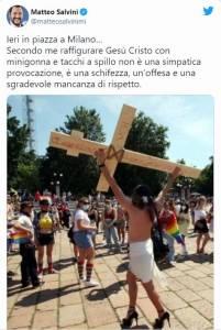 Tweet di Salvini sul Cristo Lgbt