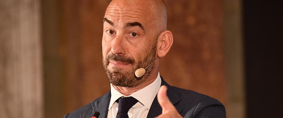 """Bassetti al soldo di Pfizer? Reazione furiosa: """"Solo consulenze, mai preso un euro per i vaccini"""" - Secolo d'Italia"""