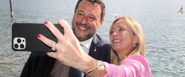 La foto tra Meloni e Salvini